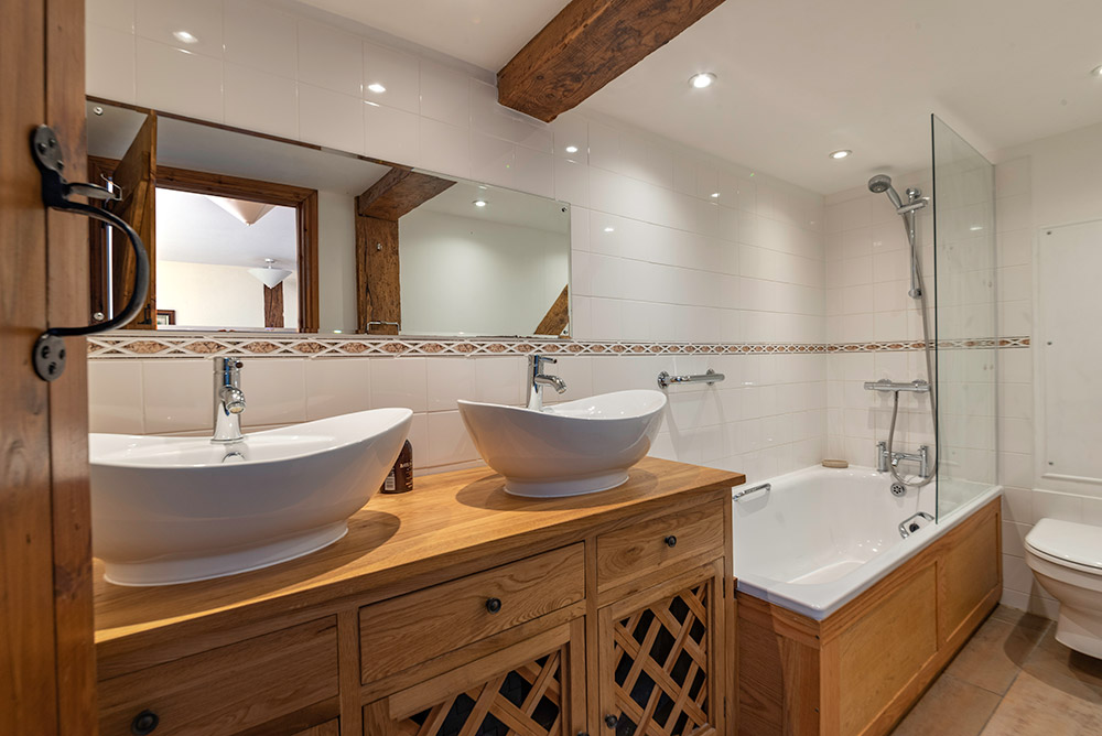 Luxury group holiday accommodation in Wales | Cae Madog Barn